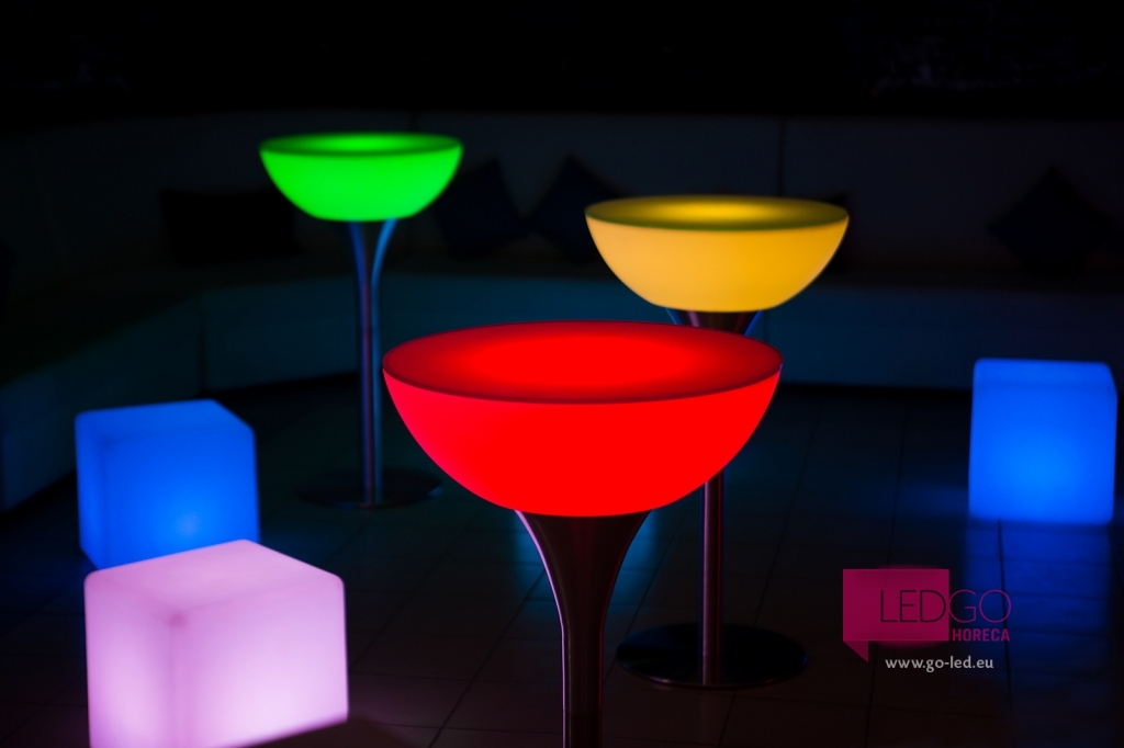 Mobilier luminat led mas cocktail stand up mobilier for Mobilier stand